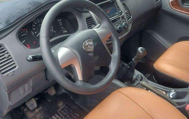 Cần bán lại xe Toyota Innova sản xuất 2013 còn mới3