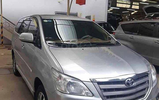 Bán Toyota Innova sản xuất năm 2015, màu bạc còn mới0