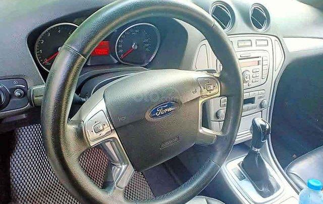 Xe Ford Mondeo sản xuất 2011, màu đen còn mới2