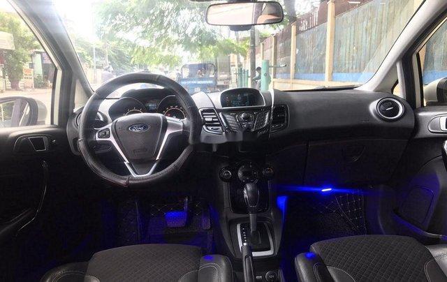 Bán Ford Fiesta năm sản xuất 2016, xe còn mới giá mềm6