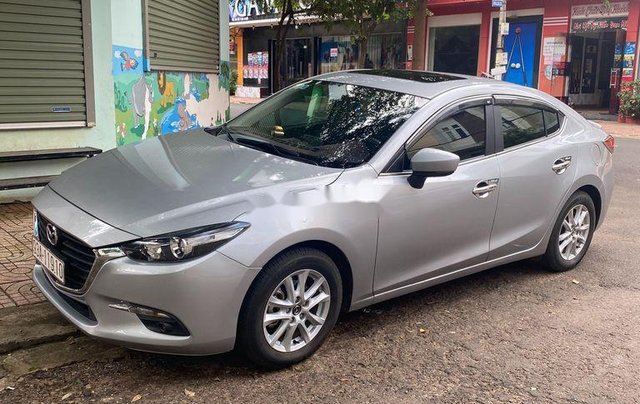 Bán xe Mazda 3 đời 2018, màu bạc còn mới4