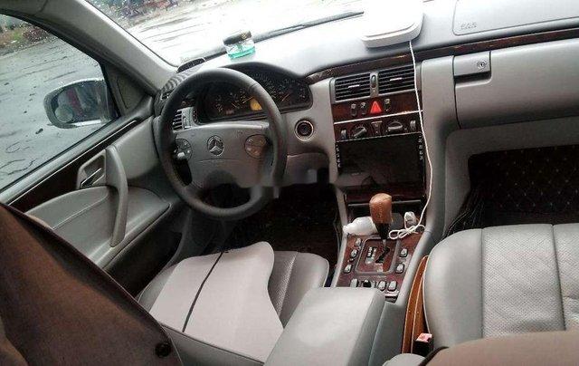Bán Mercedes-Benz E240 sản xuất 2001, xe nhập, giá chỉ 190 triệu2