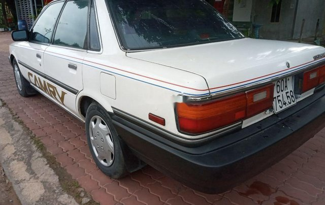 Bán Toyota Camry sản xuất năm 1988, màu trắng, nhập khẩu nguyên chiếc1