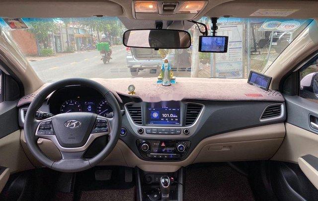 Bán Hyundai Accent AT năm 2018, giá tốt, động cơ ổn định, còn mới7