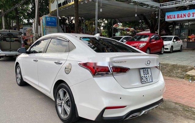 Bán Hyundai Accent AT năm 2018, giá tốt, động cơ ổn định, còn mới4