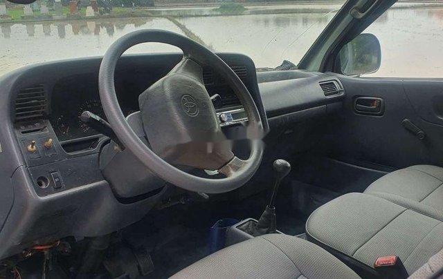 Bán ô tô Toyota Hiace sản xuất năm 2002, xe nhập, còn mới, giá thấp8