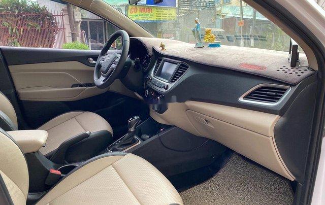 Bán Hyundai Accent AT năm 2018, giá tốt, động cơ ổn định, còn mới9
