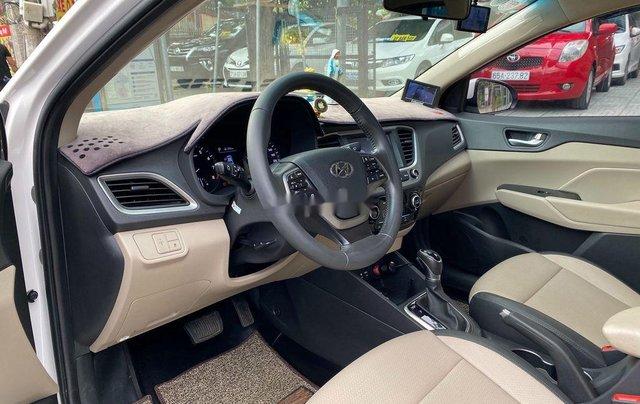 Bán Hyundai Accent AT năm 2018, giá tốt, động cơ ổn định, còn mới8