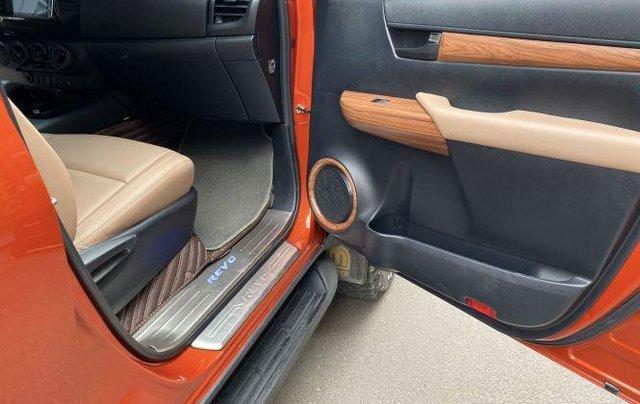 Bán Toyota Hilux sản xuất năm 2018, số tự động, máy dầu, màu cam8