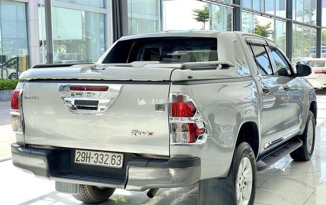 Bán ô tô Toyota Hilux sản xuất năm 2019, màu bạc, xe nhập 4