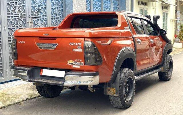 Bán Toyota Hilux sản xuất năm 2018, số tự động, máy dầu, màu cam3