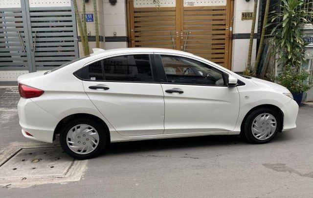 Gia đình bán xe Honda City 2016, màu trắng1