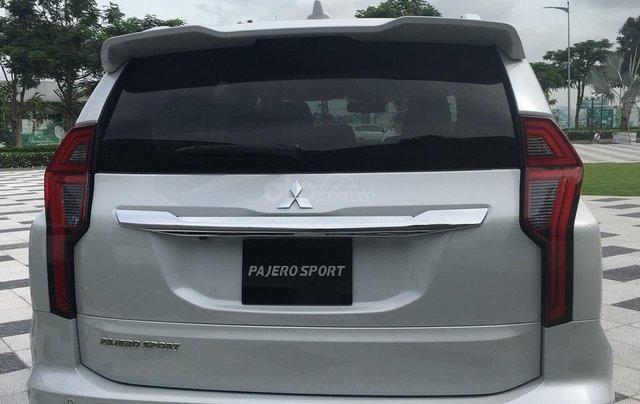 Mitsubishi Pajero Sport 2020 chính thức ra mắt, ưu đãi cực lớn, mẫu SUV 7 chỗ ngập tràn tính năng an toàn 6