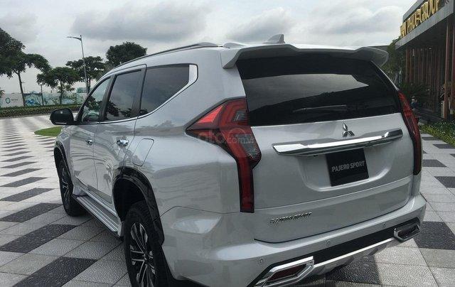 Mitsubishi Pajero Sport 2020 chính thức ra mắt, ưu đãi cực lớn, mẫu SUV 7 chỗ ngập tràn tính năng an toàn 7