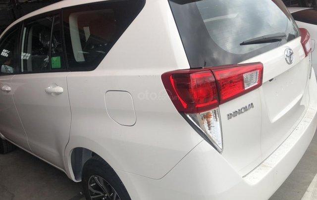 Cần bán xe Innova 2.0 số sàn giao ngay - khuyến mãi khủng cuối năm1