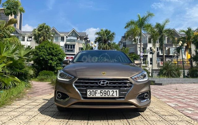 Cần bán gấp chiếc Hyundai Accent 1.4AT sản xuất năm 2019, chính chủ chạy ít0