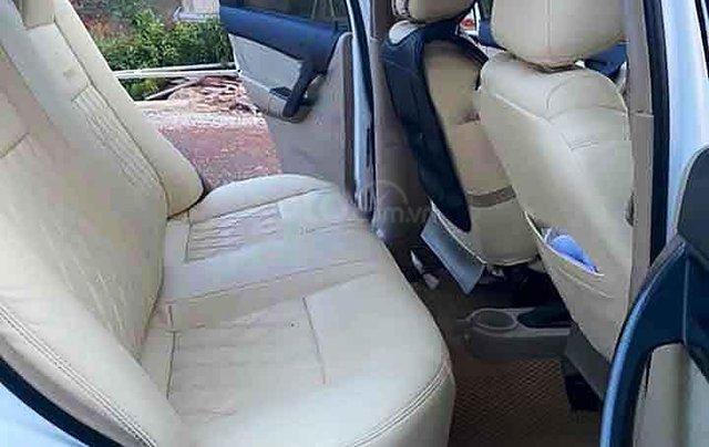 Bán Chevrolet Aveo đời 2015, màu trắng xe gia đình3
