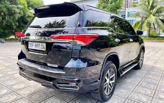 Cần bán gấp Toyota Fortuner 2.8V 4x4 AT đời 2019, màu đen, xe nhập4