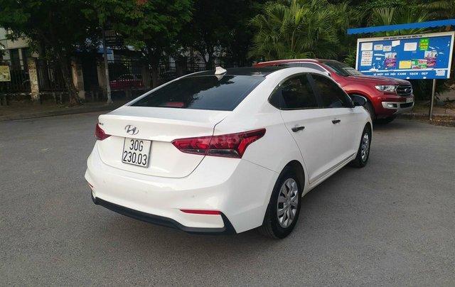 Bán xe Hyundai Accent sản xuất 2020, màu trắng, số sàn, xe đẹp như mới3
