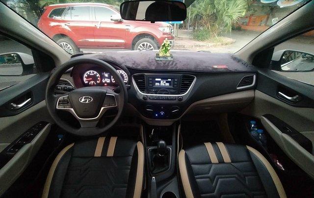 Bán xe Hyundai Accent sản xuất 2020, màu trắng, số sàn, xe đẹp như mới9