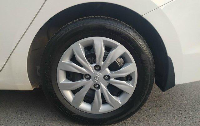 Bán xe Hyundai Accent sản xuất 2020, màu trắng, số sàn, xe đẹp như mới6