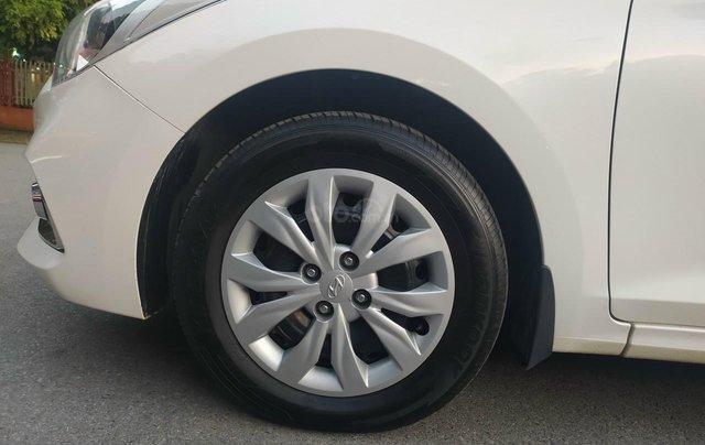 Bán xe Hyundai Accent sản xuất 2020, màu trắng, số sàn, xe đẹp như mới5