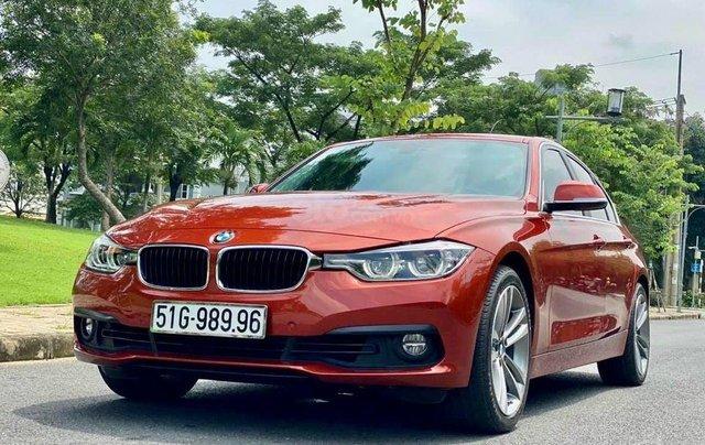 Cần bán BMW 320i sản xuất 2019, màu đỏ0