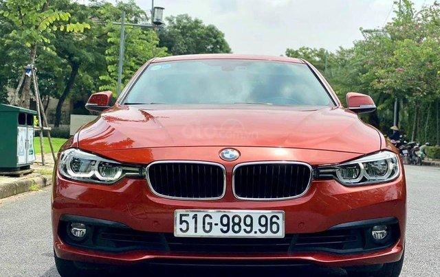 Cần bán BMW 320i sản xuất 2019, màu đỏ3