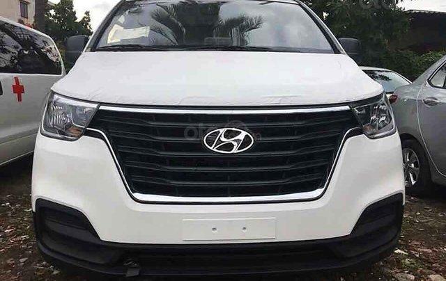 Bán ô tô Hyundai Grand Starex 2.5MT sản xuất 2020, màu trắng, nhập khẩu nguyên chiếc1