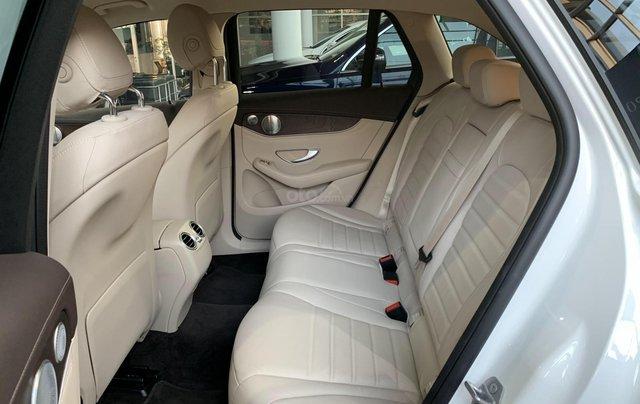 Hàng hot giao ngay GLC 200 4Matic-trắng/kem. Trước bạ giảm 50%-100tr, bảo hiểm thân xe, gói phụ kiện cao cấp7