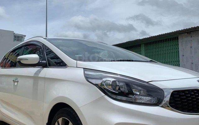 Bán gấp với giá thấp chiếc Kia Rondo 2.0GAT đời 2018 màu trắng, chính chủ sử dụng1