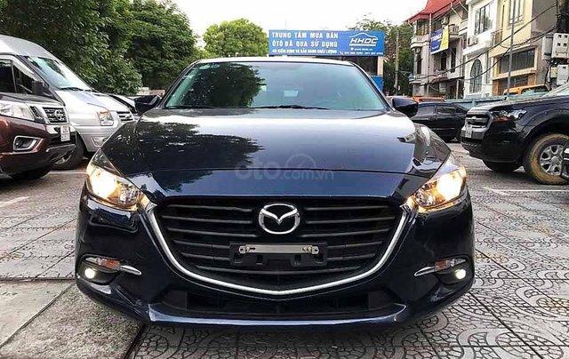 Cần bán gấp Mazda 3 năm 2018, màu xanh lam0