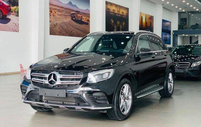 Auto bán Mercedes GLC300 4Matic sản xuất 2018, màu đen2