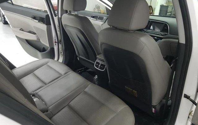 Bán Hyundai Elantra 2.0 AT sản xuất 2016, màu trắng7