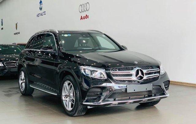 Auto bán Mercedes GLC300 4Matic sản xuất 2018, màu đen0