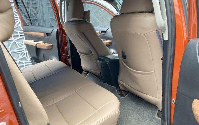 Bán Toyota Hilux sản xuất năm 2018, số tự động, máy dầu, màu cam11
