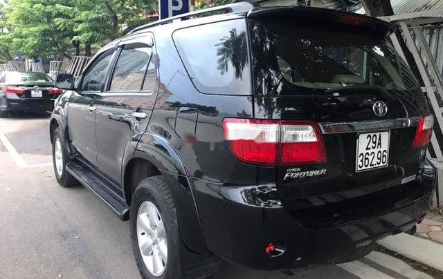 Bán xe Toyota Fortuner năm 2011, màu đen2