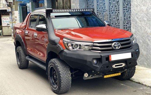 Bán Toyota Hilux sản xuất năm 2018, số tự động, máy dầu, màu cam0