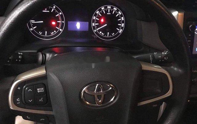 Bán Toyota Innova đời 2019, màu bạc5