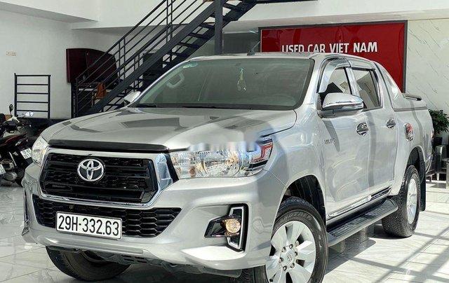 Bán ô tô Toyota Hilux sản xuất năm 2019, màu bạc, xe nhập 2