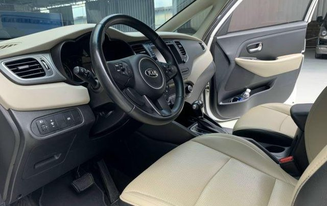 Bán Kia Rondo 2.0 GAT Deluxe 2017, màu trắng, BS TP. HCM9