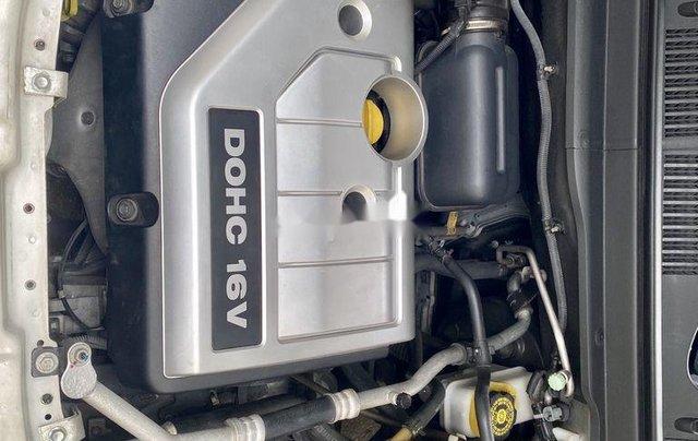 Bán Chevrolet Captiva sản xuất 2011, màu trắng như mới, 369tr9