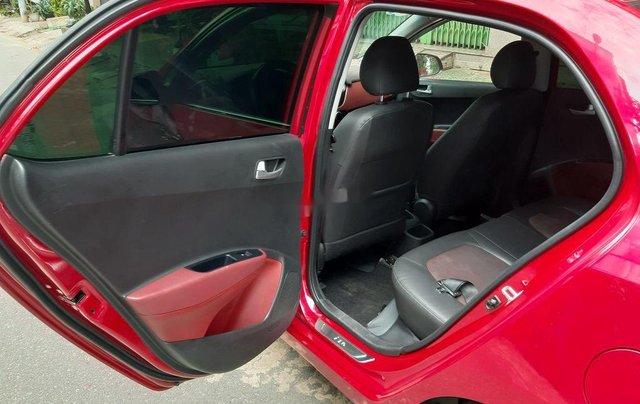 Cần bán xe Hyundai Grand i10 2018, màu đỏ, xe gia đình4