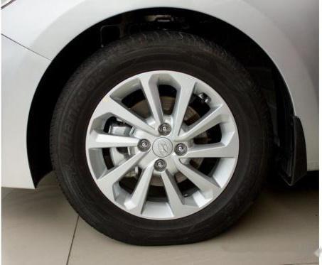 Bán xe Hyundai Accent năm 2018, màu bạc, 480 triệu3