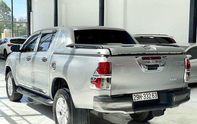 Bán ô tô Toyota Hilux sản xuất năm 2019, màu bạc, xe nhập 3