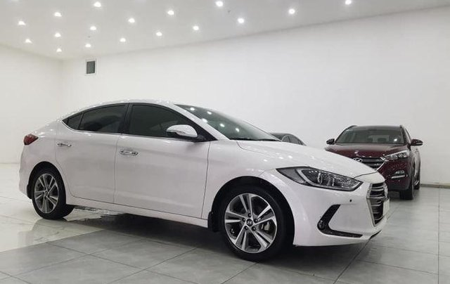 Bán Hyundai Elantra 2.0 AT sản xuất 2016, màu trắng0