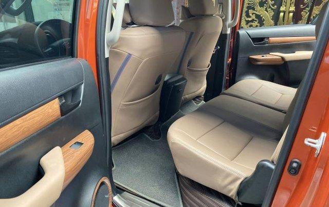 Bán Toyota Hilux sản xuất năm 2018, số tự động, máy dầu, màu cam9