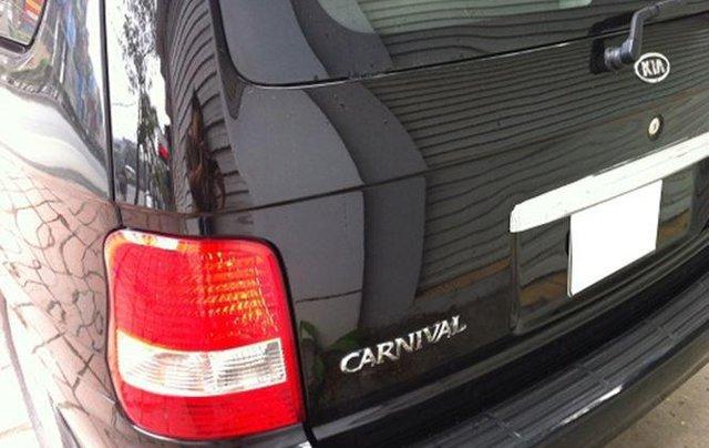 Bán Kia Carnival năm sản xuất 2010, màu đen, 218tr3