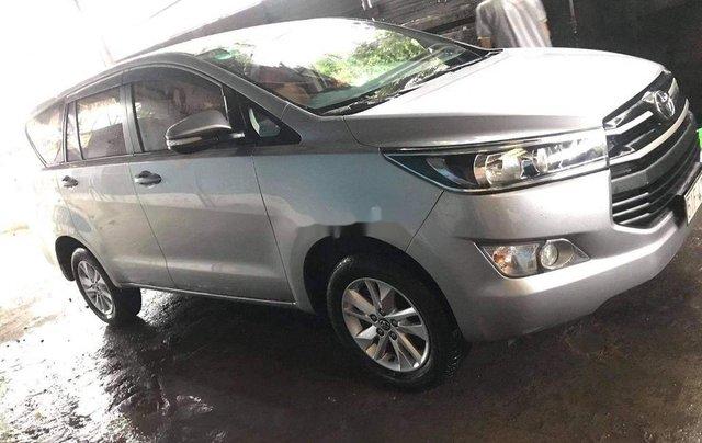 Bán Toyota Innova đời 2019, màu bạc0