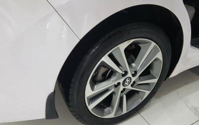 Bán Hyundai Elantra 2.0 AT sản xuất 2016, màu trắng5